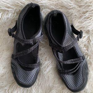 Chaco Grey & Black Women's Sandal Shoes